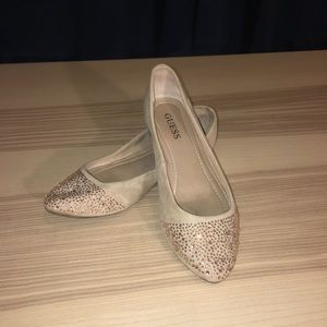 Tan sparkle toes guess flats